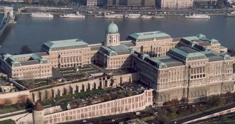 Budaer_Burg_www.zahnarzt-budapest.eu
